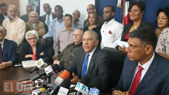 PRM denuncia prohíben mensaje sobre corrupción gubernamental; Peralta lo niega